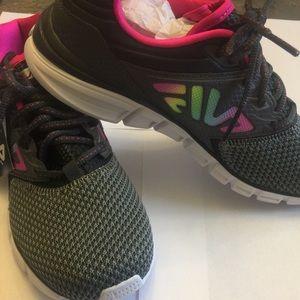 Women's Fila light weight training shoes